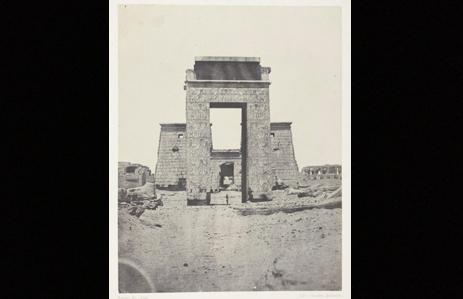 Fig. 3. Karnak, Propylone du Temple de Khons; Thèbes